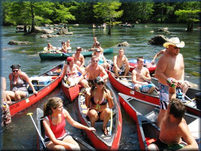 Ambush adventures customers having fun on the Lower Mountain Fork River